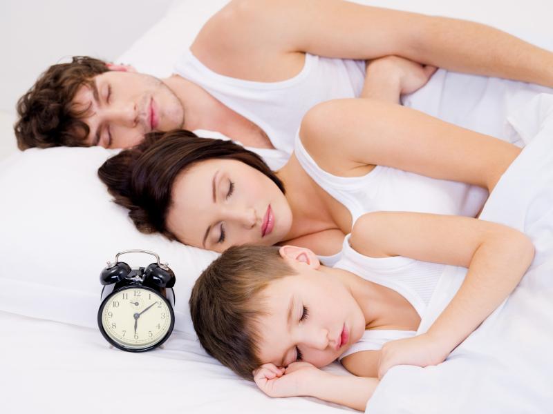 Mon fils ne veut plus dormir dans sa chambre nanny secours - Methode pour faire dormir bebe dans son lit ...