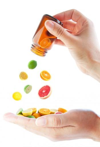 Prendre un supplément de vitamine C aide à prévenir les rhumes et les grippes.