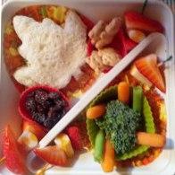 Enfant sous médication et boîte à lunch