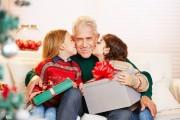 Mon enfant refuse de donner des becs dans les fêtes de famille…