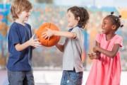 Comment aider son enfant à s'intégrer dans une nouvelle école