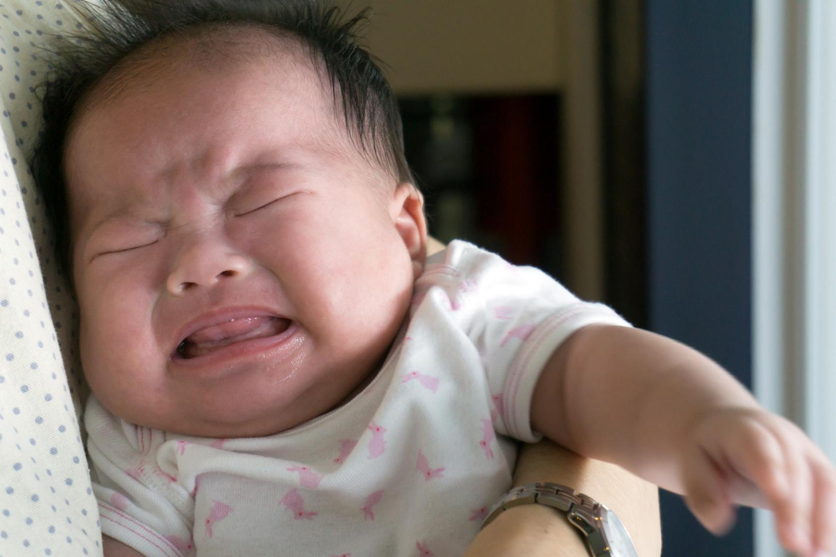 Nouveau-né qui pleure