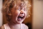 Pourquoi les réactions émotives des enfants sont si intenses ?