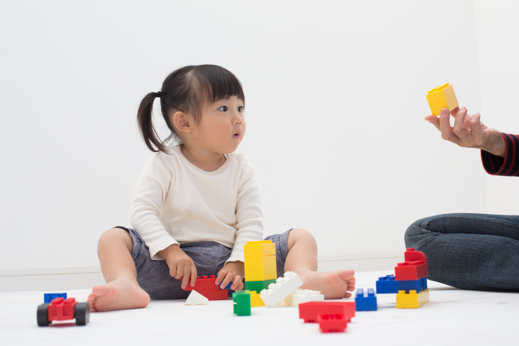 stimuler langage bébé