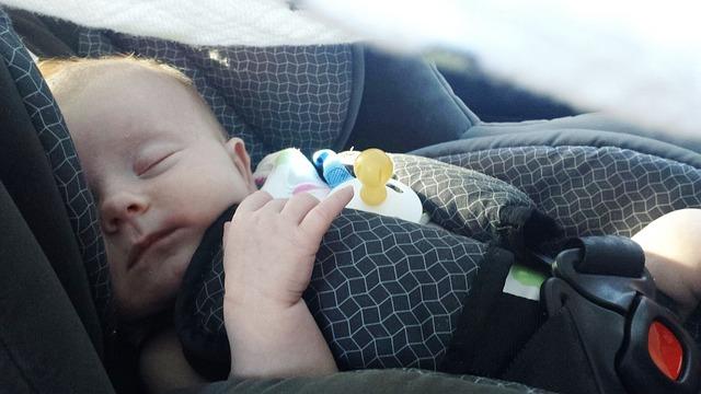 Ne pas oublier bébé dans la voiture