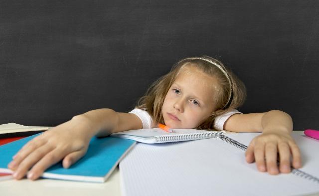 Comment aider son enfant à composer avec le stress de la fin de l'année scolaire
