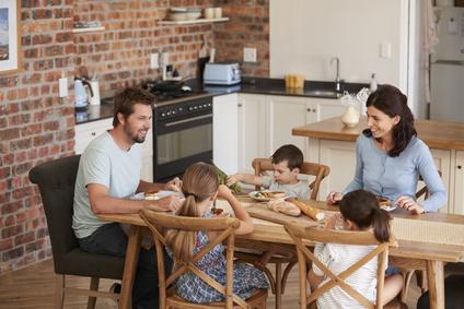 Découvrez le plaisir de manger en famille!