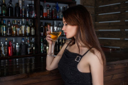 Ton ado va boire de l'alcool que tu le veuilles ou non !