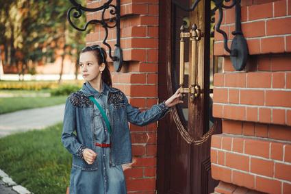 Mon enfant a-t-il la maturité nécessaire  pour rester seul à la maison?
