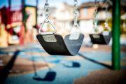 Quand et comment apprendre à mon enfant à aller au parc seul en toute sécurité?
