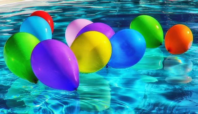 Organiser un party piscine familial amusant!