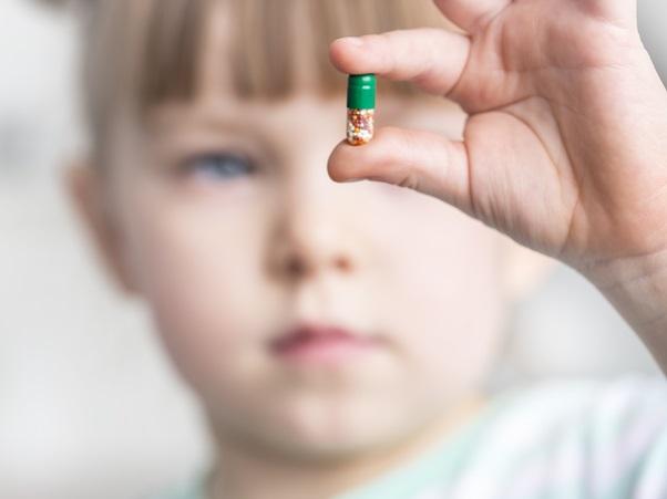 La pression de l'école sur les parents pour la médication.