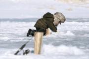 Attention à la glace trop mince sur les plans d'eau