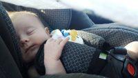 6 moyens concrets pour ne pas oublier bébé dans l'auto