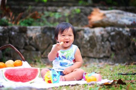 manger a exterieur avec enfants