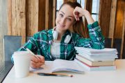 L'école à la maison: 10 trucs pour réviser les apprentissages et maintenir les acquis